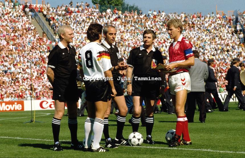 первенство германии по футболу таблица